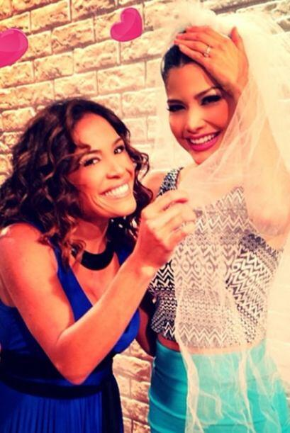 Karla despidió a Ana con la emoción de que oficialmente será su hermana...
