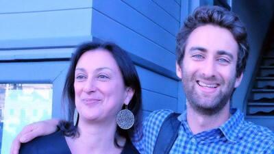 Matthew Caruana Galizia con Daphne Caruana Galizia.