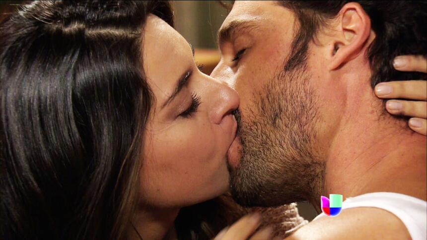 Verónica y Martín se comieron a besos