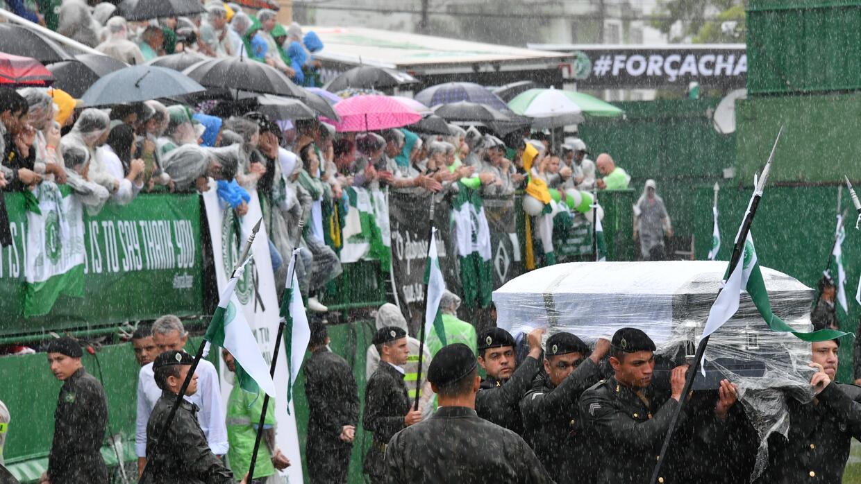 Más de 100,000 personas se dieron cita en el estadio del equipo p...