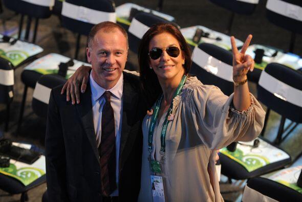 Pero Mano Meneses no perdió el tiempo y posó junto a la cantante Ivete S...