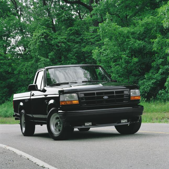 Un siglo de pickups Ford 1993-Ford-F-150-Lightning-pickup-truck-CN304007...