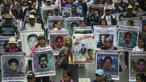 Marcha para reclamar a los 43 estudiantes desaparecidos en Ayotzinapa.