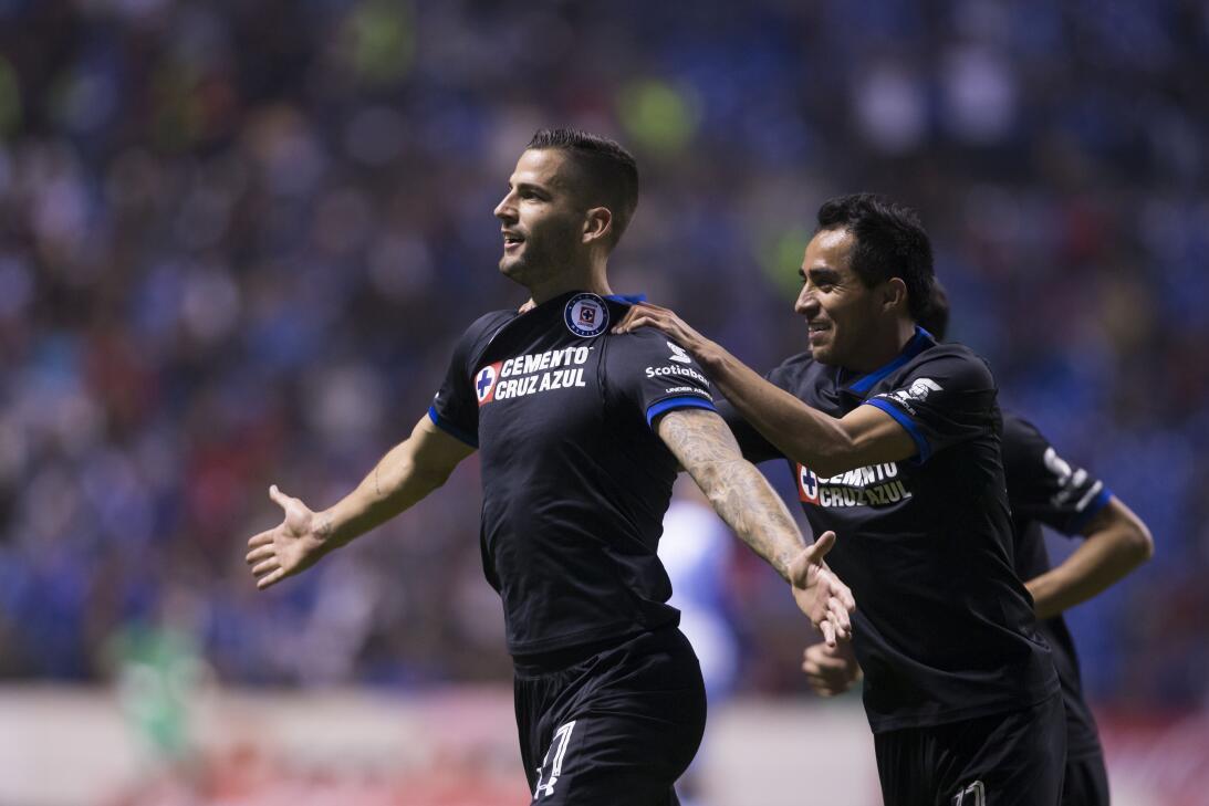 Cruz Azul venció a Puebla 2-0 en Copa MX 20180207-2301.jpg