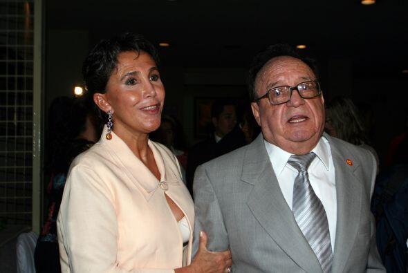 La pareja no tuvo hijos pues Roberto antes de divorciarse y después de h...