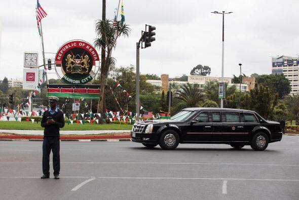 Bloques de seguridad en la carretera para el paso del presidente de EEUU.