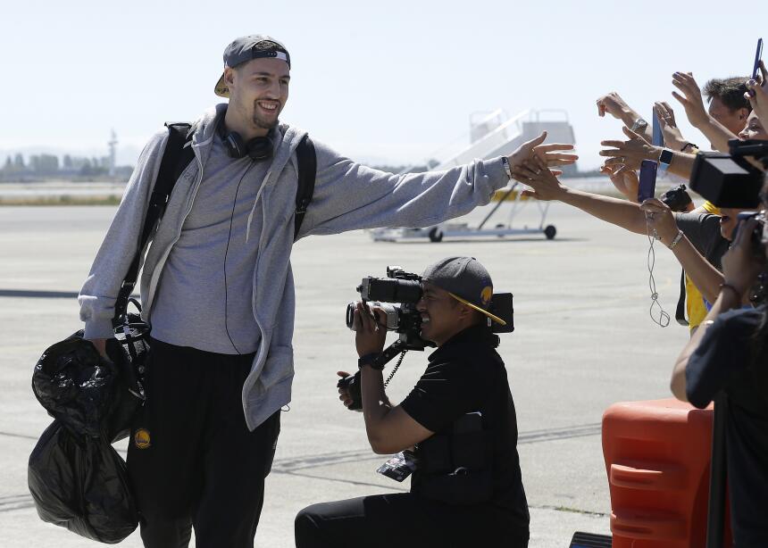 Por primera vez en 40 años, los campeones de la NBA vuelven al Area de l...