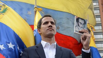 EEUU reconoce al jefe del Parlamento como nuevo presidente de Venezuela y Maduro rompe relaciones