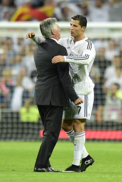 Cristiano Ronaldo celebra la victoria con Ancelotti.