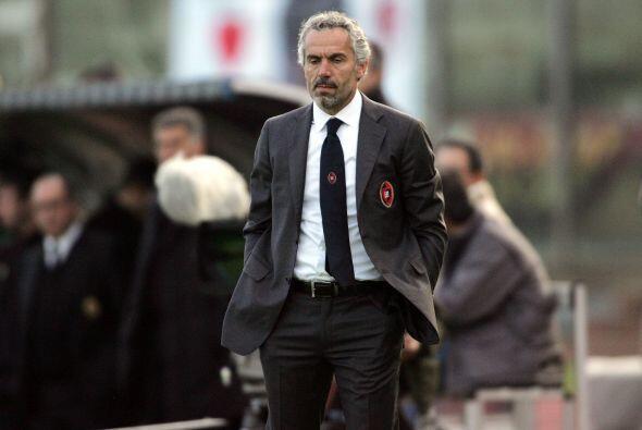 No hubo más y el Cagliari, dirigido por Roberto Donadoni, fue der...