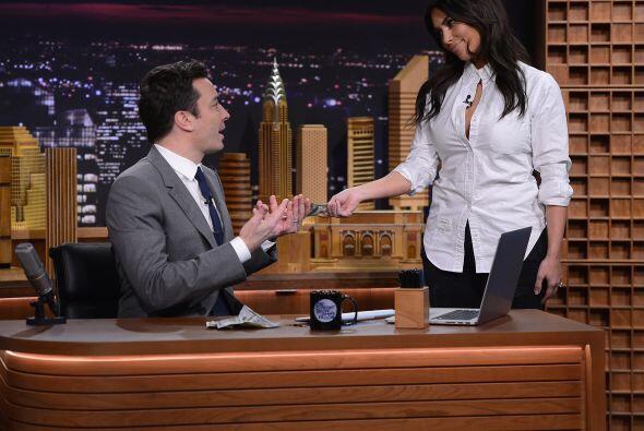 Kim Kardashian Mira aquí los videos más chismosos. llon