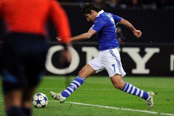 Raúl abrió la cuenta en el marcador y sepultó las aspiraciones italianas.