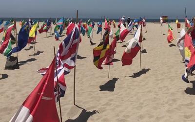 Instalan banderas de 195 países en las playas de Venice como símbolo de...