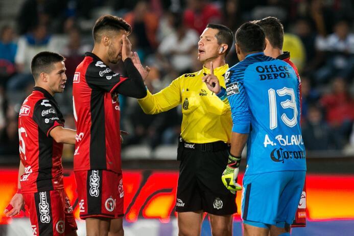 Pachuca golea a Xolos y es semifinalista de la Copa MX arbitro-diego-mon...