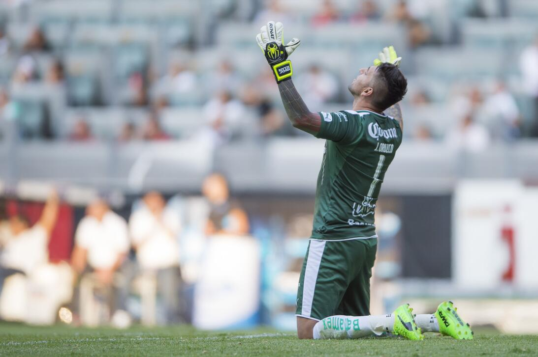 Atlas y Santos reparten puntos Jonathan Orozco Santos.jpg