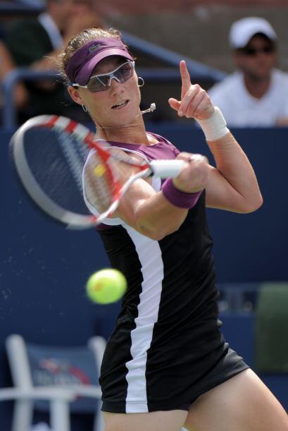 Samantha Stosur[9], de Australia, superó a Vera Zvonareva[2], de Rusia,...