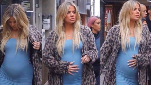 Khloe Kardashian Thumb