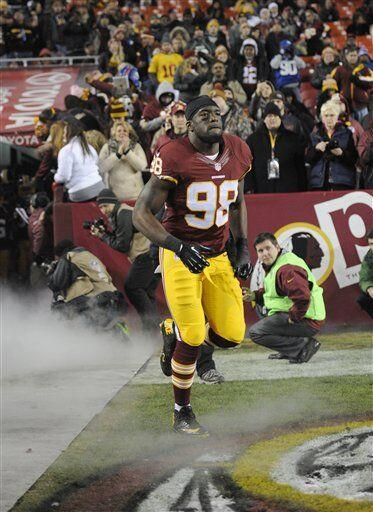 Brian Orakpo, apoyador exterior de los Washington Redskins (AP-NFL)