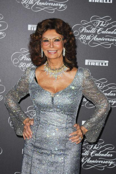 Sophia Loren sigue cautivando, a punto de cumplir 80 años.  Mira aquí lo...