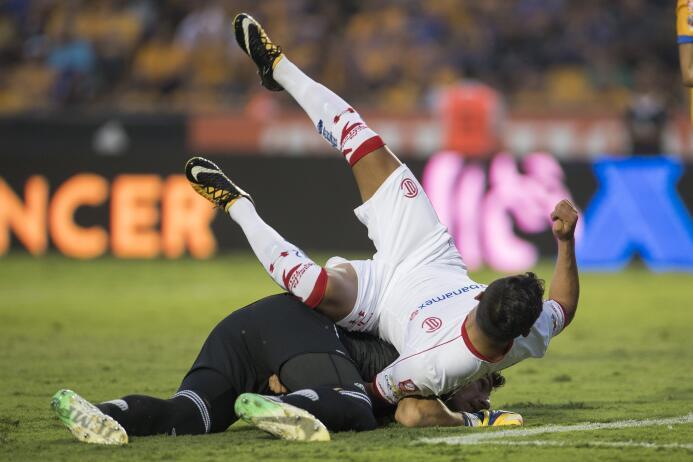 Tigres domina y golea a Toluca en el Volcán 20171021-5441.jpg