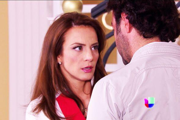 ¡Beso, beso! Sí Ana, no puedes negar que Diego te está conquistando.