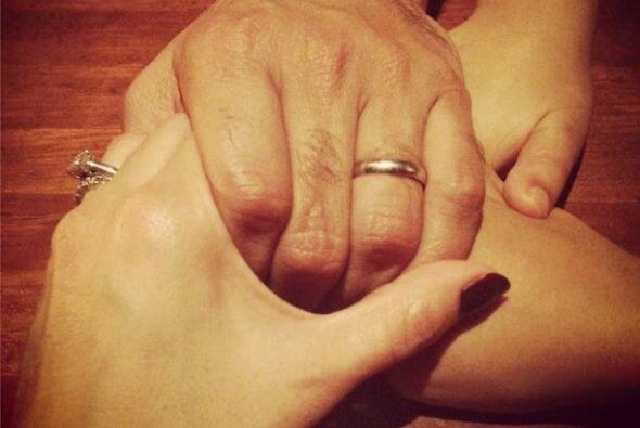 """""""La familia está llamada a ser templo, o sea, casa de oración: una oraci..."""