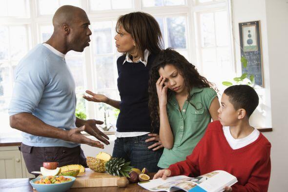 1. El estrés. Cuando un niño enfrenta conflictos en su hogar como peleas...