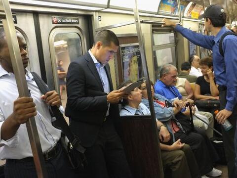 El servicio de transporte público reinició sus actividades...