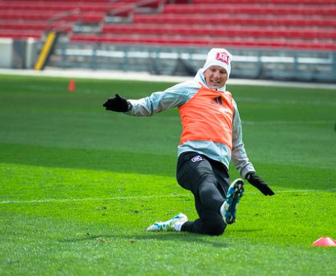 Bastian Schweinsteiger llegó a Chicago con gran recepción, y ya entrenó...