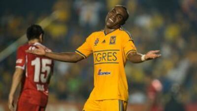 Tigres de la UANL, con los tres puntos, logró rebasar a Toluca.