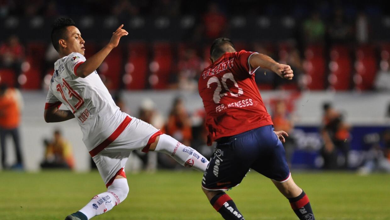 Le quitaron la roja al jugador de Toluca