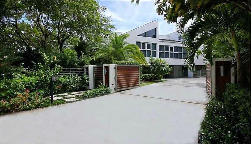 El cantante puso en venta su mansión por $3.75 millones de d&oacu...