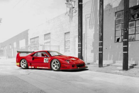 En 1993, la producción del Ferrari F40 ya había tocado su fin, pero por...