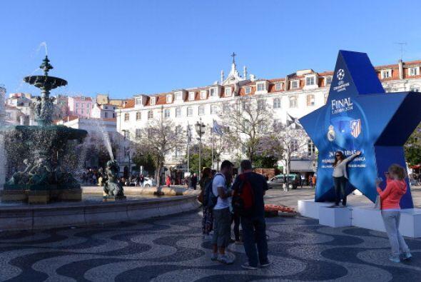 Mientras las calles de Lisboa siguen de fiesta.