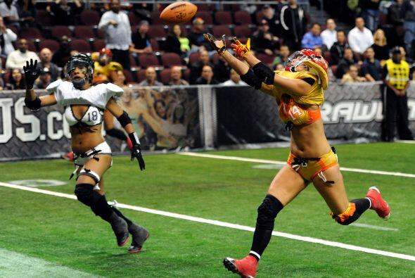 La Lingerie Football League sigue creciendo en Estados Unidos. Sin pudor...