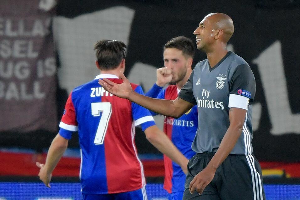 De la mano del 'Pipita' Higuaín, la Juve triunfó en Grecia gettyimages-8...