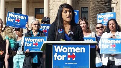 La dreamer de Arizona Ellie Pérez durante un evento de la campaña presid...