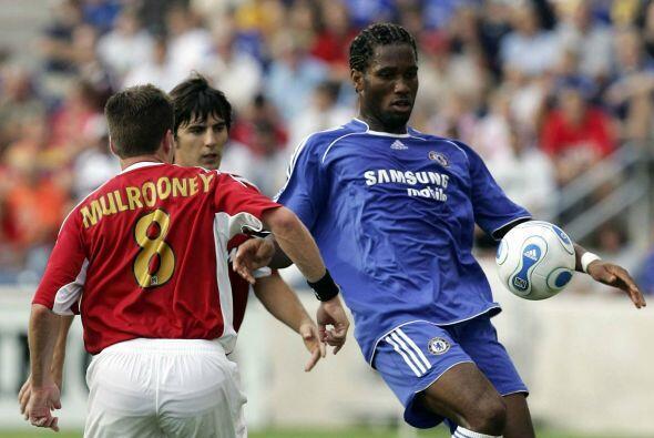 Didier Drogba puso a prueba a la defensa del combinado norteamericano en...