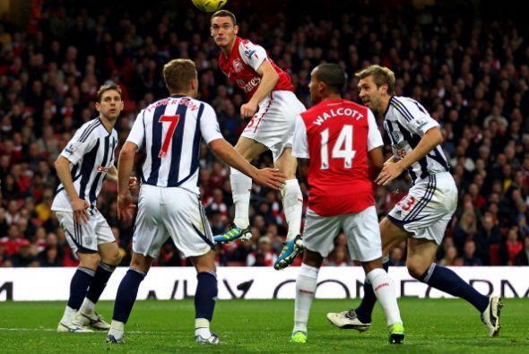 Arsenal siguió llendo al ataque y alcanzó el segundo tanto por medio de...