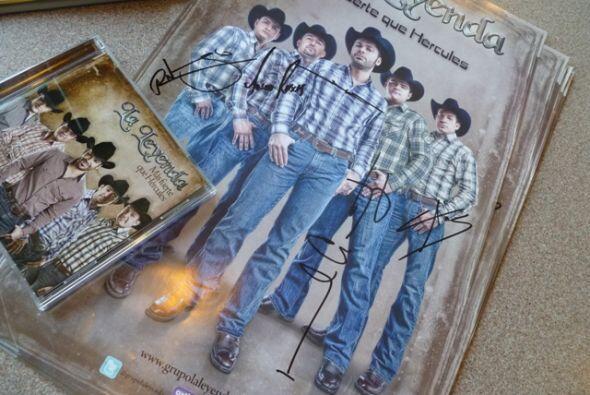 ¡Muchas gracias a los ganadores y disfruten de este nuevo CD, 'Más fuert...
