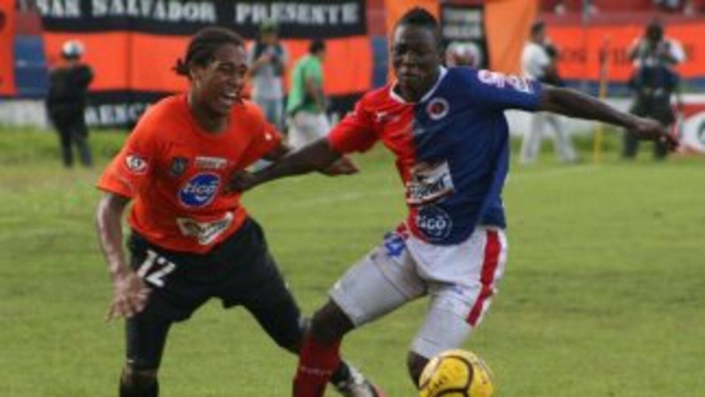 Aguila vs FAS en el clásico salvadoreño