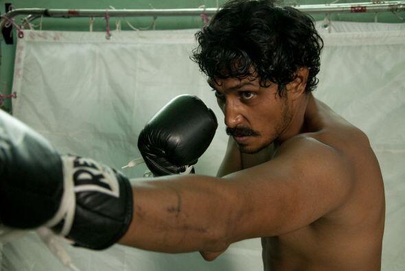 Tenoch Huerta le da vida a 'El Búfalo' Torres, un consolidado box...
