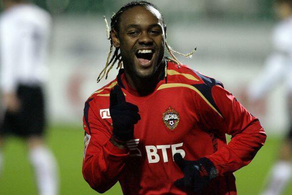 El delantero brasileño Vagner Love juega en Rusia y es pretendido por el...