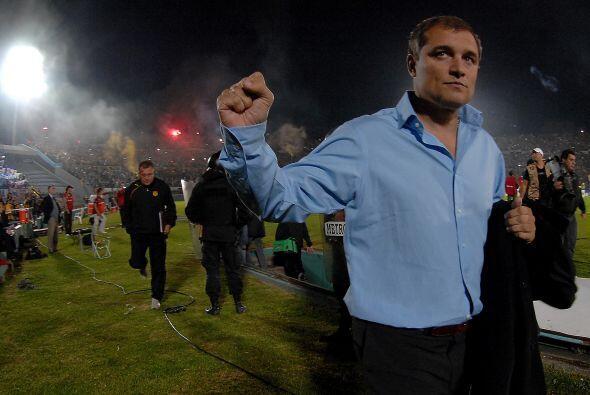 Diego Aguirre, el técnico de Peñarol, se retiró opt...