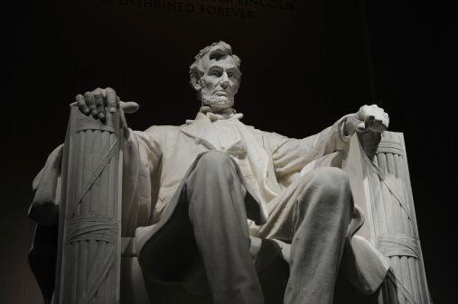 #16 - Abraham Lincoln. Mandato 4 de marzo de 1861hasta 15 de abril de 1865.