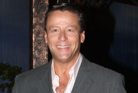 En la década de los noventa, Alfredo Adame también participó en una tele...