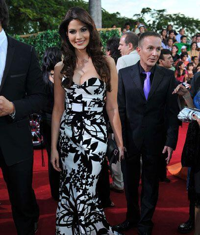 Cynthia Olavarría Ella dice: Esta ex reina de belleza tiene el porte par...