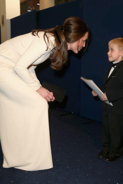 Igual que la mamá de su esposo, Kate tiene mucho interés en los niños.