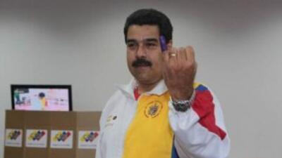 El presidente Nicolás Maduro asistió a votar. Foto de Twitter.