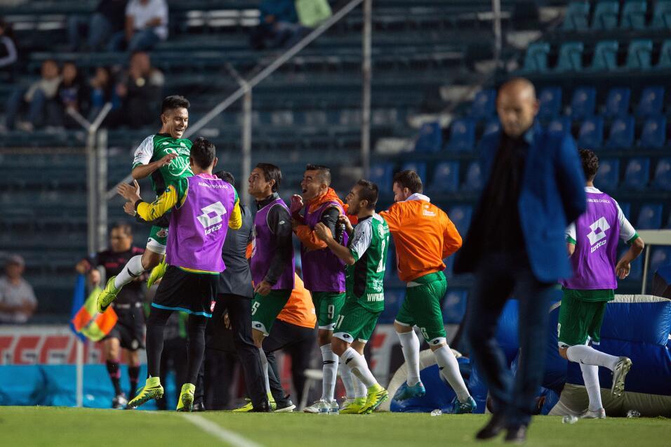 Cruz Azul regresa al Estadio Azteca 20.jpg